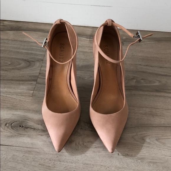 9a1ff49767b SCHUTZ Thaynara Ankle Strap Pointed Heels. M 5b267bdf409c159c4c4c2df4